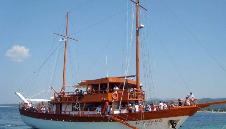 Tickets to Toroneos Cruise from Pefkochori